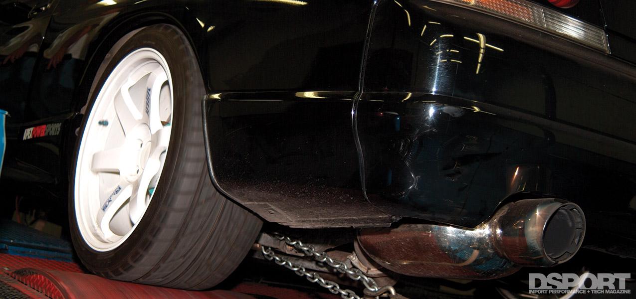 R33 GT-R on dyno