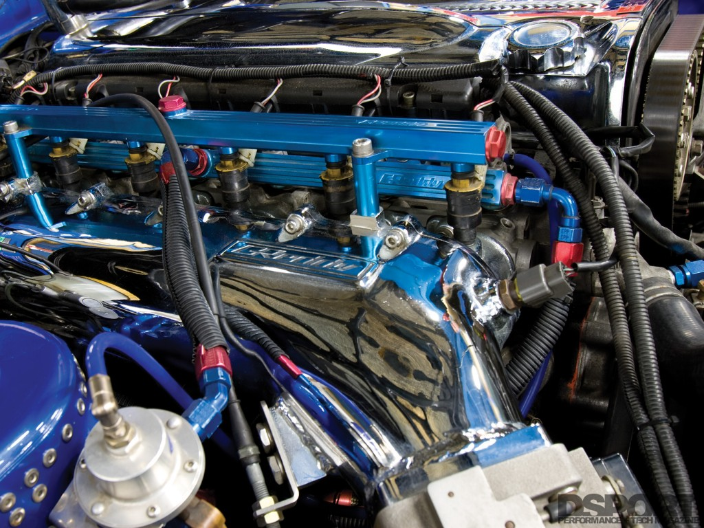 GReddy surge tank in the OS Giken RB30 Nissan R32
