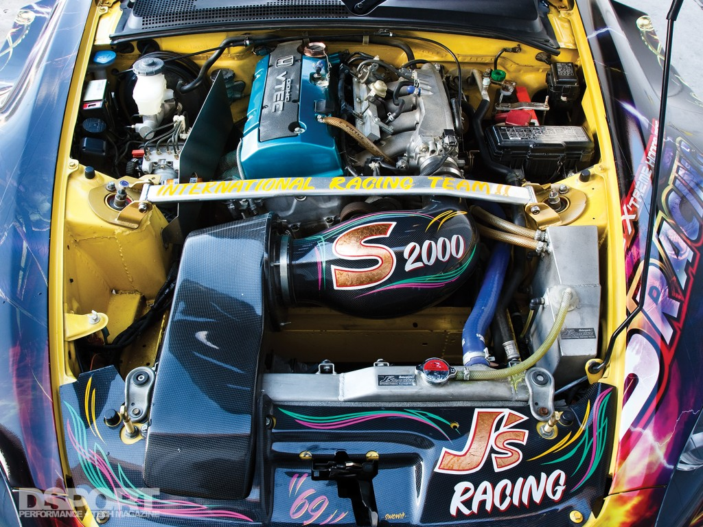 084-003-Feat-JaysS2000-EngineBay