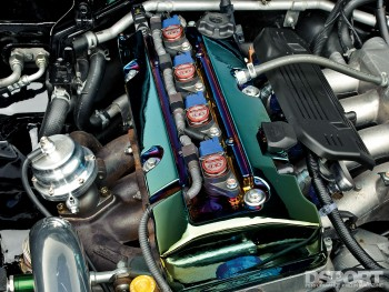 Engine bay of the 500 HP Honda S2000