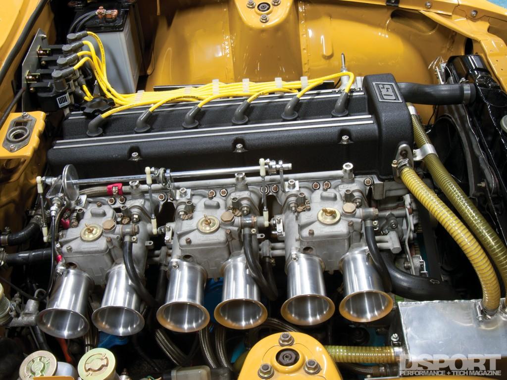 Weber carburetors for Tomitaku's Datsun 240Z
