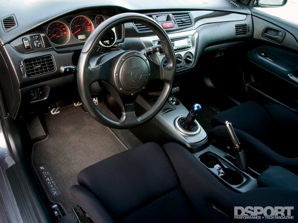 Interior of the Mitsubishi EVO IX with Voltex Racing Cyber kit