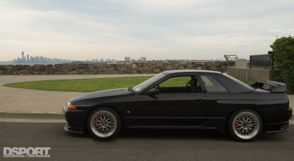535 whp R32 Skyline with NY skyline