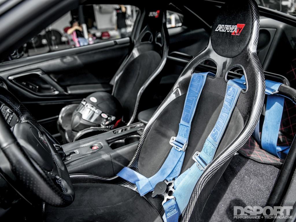 Carbon seats in Gidi's R35