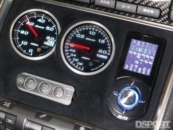 Gauges inside the Phoenix's Power Nissan R35 GT-R