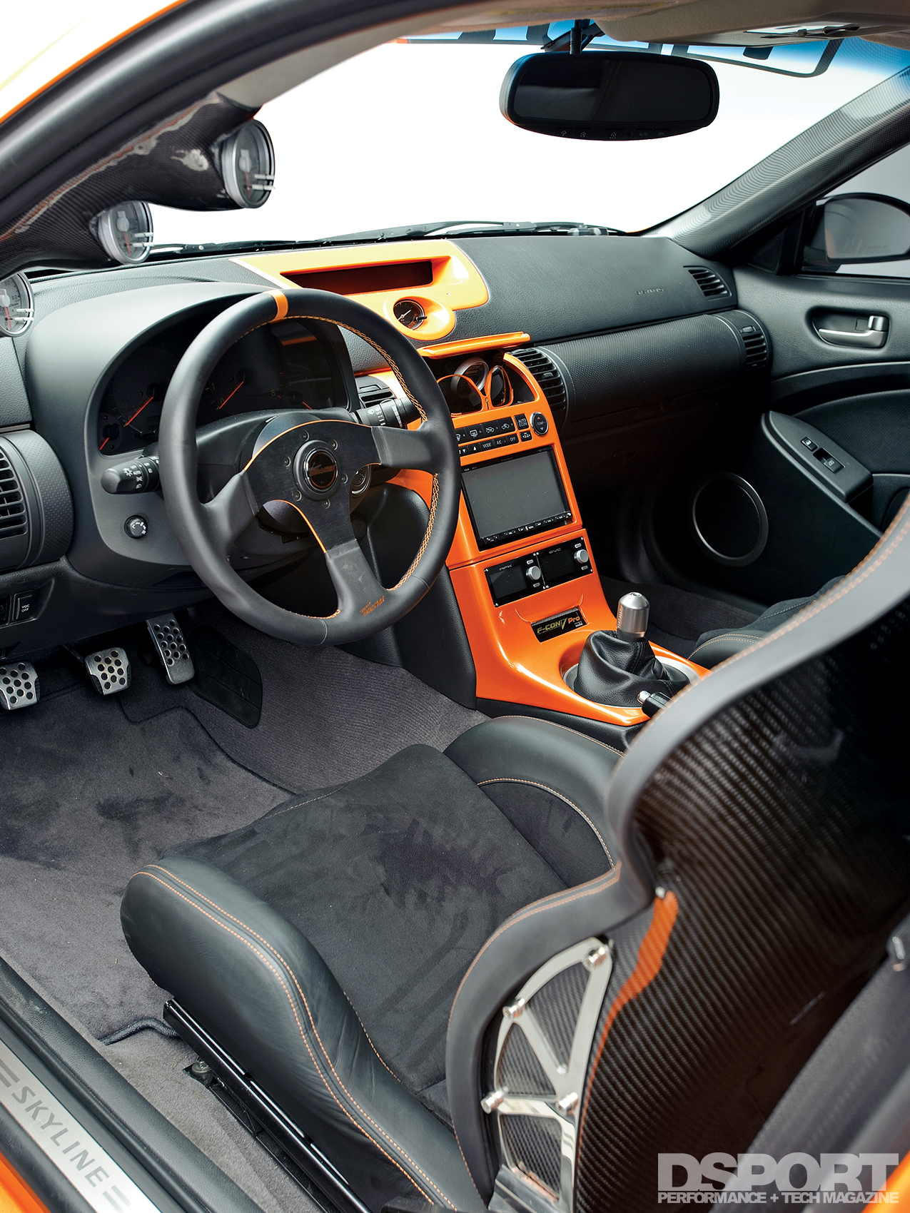 Show N Go Infiniti G35 Has All The Right Stuff