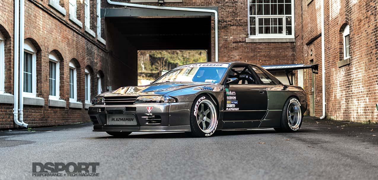 Nissan R32 Skyline GTS-T Lead