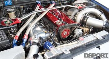Club DSPORT Nissan R32 Engine Bay