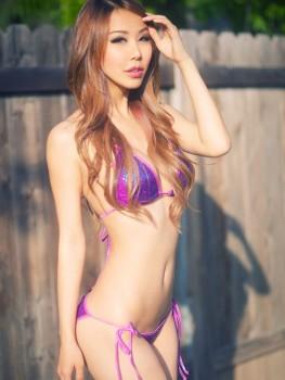 Eva Skye DSPORT Magazine First Date