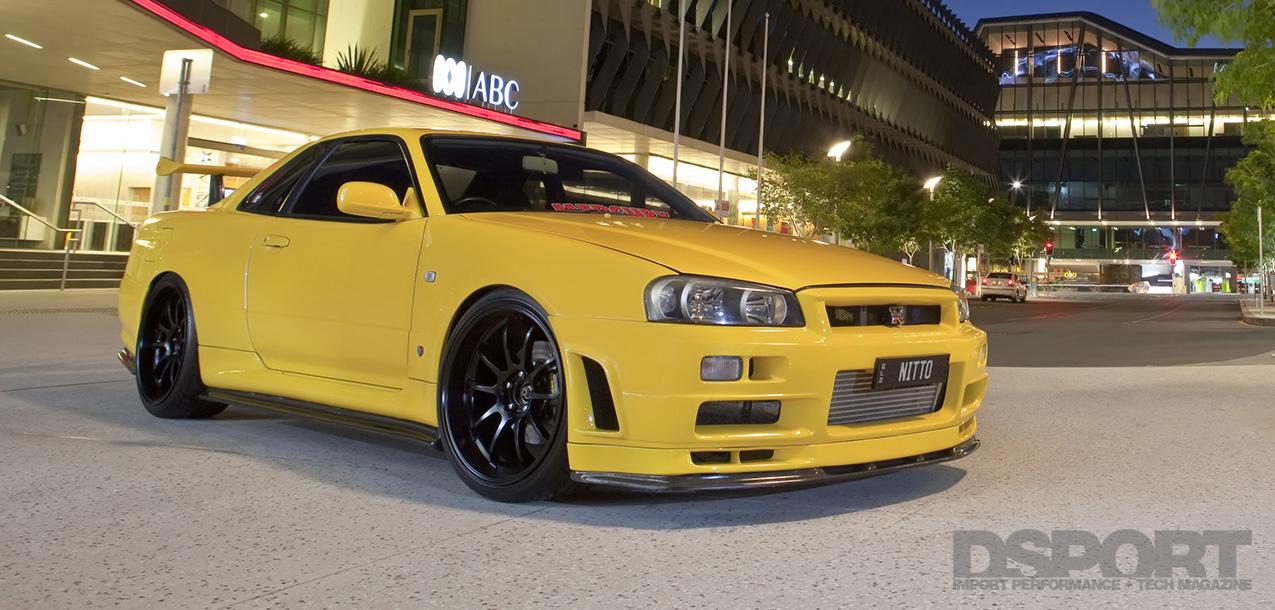 DSPORT Feature RH9 Yellow Nissan Skyline GT-R V-Spec