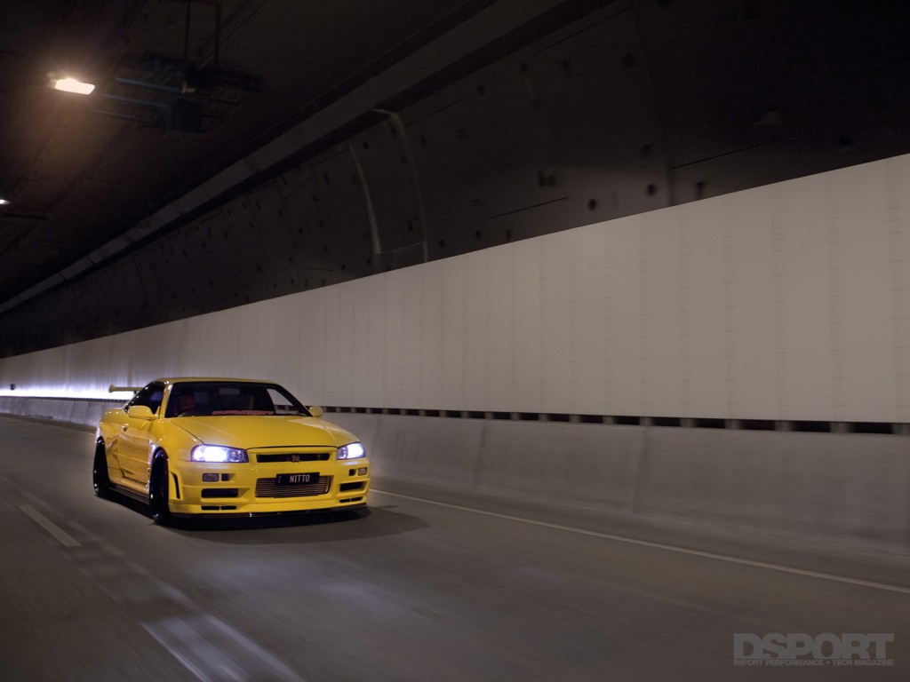 DSPORT Feature RH9 Yellow Nissan Skyline GT-R V-Spec