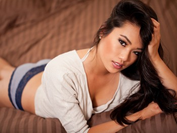 DSPORT Magazine First Date with Sandra Wong