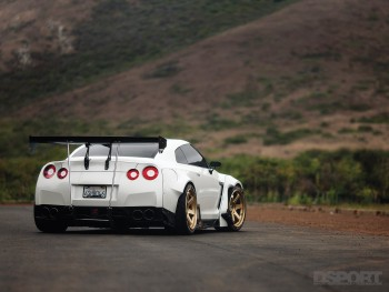 DSPORT Magazine feature editorial on 800 Horsepower Nissan GT-R Street Car